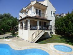 Large 5 bedroom triplex villa with private gardens and private pool only 5 minutes drive to the famous Olu Deniz beach and 5 minutes walk to Hisaronu town with many cafes, restaurants and shops.