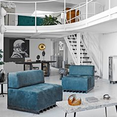 Modern Dining Room Tables, Modern Side Table, Round Side Table, Sofa Tables, Modern Armchair, Modern Sofa, Mid-century Modern, Sofa Material, Italian Sofa