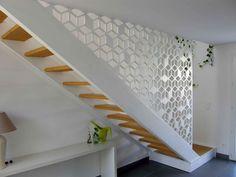 Claustra design sous forme de garde-corps d'escalier