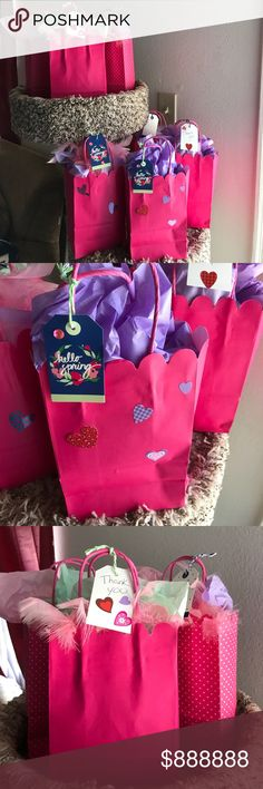 6 cute surprise gift 🎁 bags For the first 6 people that spend $30 or more will get one ☝️ free gift. All are unique. No two bags are the same. 🎁 💋🎉🎉🎉🎉🎉🎉🌺🎈🍹🍹🍹🎂🎂💋🎊💋🎊👏👏 Kendra Scott Swim