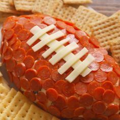 no pizza crust, but there is a lot of cheese.There's no pizza crust, but there is a lot of cheese. Football Party Foods, Football Food, Superbowl Party Food Ideas, Appetizers Superbowl, Super Bowl Essen, Delish Com, Tailgate Food, Tailgating Recipes, Game Day Food