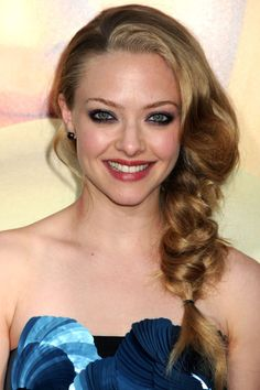 The first noticeable thing in outlook is the hair. For a best look, we should style our hair properly. I have collected some of the best party hairstyles. 2015 Hairstyles, Party Hairstyles, Celebrity Hairstyles, Cool Hairstyles, Amanda Seyfried Hair, Pretty Braids, Good Hair Day, Hair Pictures, Fall Hair
