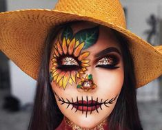 Looking for for inspiration for your Halloween make-up? Browse around this website for cool Halloween makeup looks. : Looking for for inspiration for your Halloween make-up? Browse around this website for cool Halloween makeup looks. Halloween Costumes Scarecrow, Scarecrow Makeup, Cute Halloween Makeup, Halloween Makeup Looks, Halloween Kostüm, Women Halloween, Scarecrow Painting, Scream Halloween, Halloween Fashion