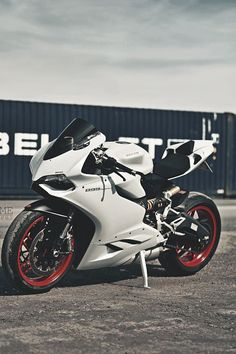 Ducati 899 Paningale Black and White - 202 mph for more visit http://svpicks.com/breathtaking-motorcycle-photos/