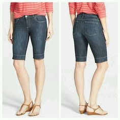 Kut from the Kloth Natalie Bermuda Size 4 Womens Shorts Walking Mid Rise #designerjeans #onlinethriftboutique