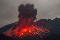Lightning Photos: Volcanic Eruption Captured By Martin Rietze Shows Sakurajima Volcano Spewing Lava Photo Japon, Japan Photo, Volcano Lightning, Lava, Lightning Photos, Mont Fuji, Epic Pictures, Cocktails, Kyushu