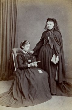 Pregnant Young Woman and Sister in Mourning, English Albumen Carte de Visite, Circa 1868 Victorian Portraits, Victorian Photos, Victorian Women, Antique Photos, Vintage Photographs, Old Photos, Victorian Era, Vintage Family Photos, Mourning Dress