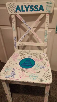 This simple Ikea chair became a great Bat Mitzvah sign-in Bat Mitzvah Decorations, Bat Mitzvah Centerpieces, Bat Mitzvah Themes, Bar Mitzvah Party, Bat Mitzvah Gifts, Bat Mitzvah Dresses, Shower Bebe, Diy Chair, Sofa Chair