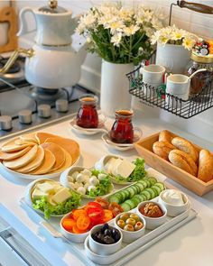 Breakfast Presentation, Food Presentation, Food Garnishes, Food Photography Tips, Cooking Recipes, Healthy Recipes, Food Platters, Cafe Food, Aesthetic Food