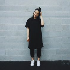 Anna Bediones @atothebed in adidas Superstar - cozy look (full outfit)