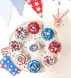 Fourth of July Red, White & Blue Bunting Cupcakes