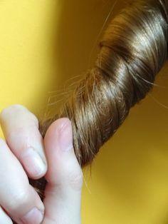 Vinaigre de cidre pour les cheveux - bienfaits vinaigre de cidre - recettes eaux de rinçage - beauté des cheveux naturelles - cosmétique petit budget
