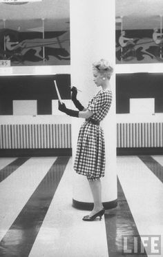 Checked fashions photographed by Nina Leen for LIFE magazine, 1958. Vintage 1950s Fashion Dress