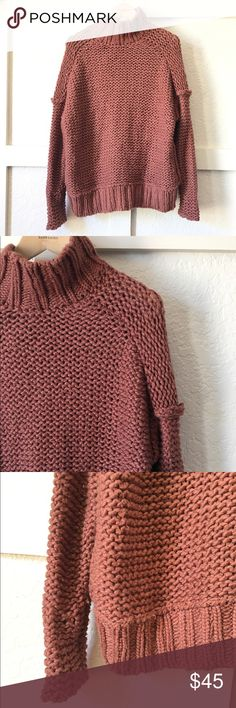 Mauvy Free People Sweater S Chunky knit soft and dreamy mauvy- chocolate mock neck sweater by free People. It's just 👌 size S (could fit XS-M) Sweaters