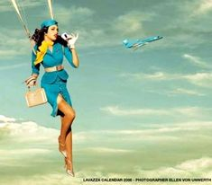 I love airplanes.. I want to be flight attendant.. I want to do parachuting.. and I'm addicted to coffee.. ♡