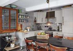 Un duplex decorado en tonos neutros en Londres · A duplex apartment in London…