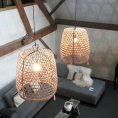 Would love to see some Plumen 001s in these shades http://www.plumen.com Hanenmand hanglamp - HOUSE-Dressing