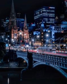 "Melbourne - Chris Cincotta on Instagram: ""Winter has arrived! So has this stunning photo of Princes Bridge and St Paul's!  This gorgeous capture is by @lexctw who has such amazing…"""