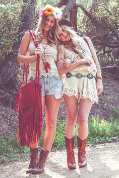 Coachella Friends Fashion - The Blonde Abroad.... If I had a best friend that was just like me. This would be us.