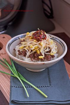 Bean Sprout Beef Rice Bowl - Easy recipe which uses seasoned ground beef, bean sprouts, rice, chive dressing.
