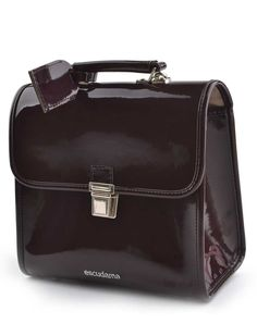 Chocolate brown patent leather schoolbag, made in Italy. Beautiful winter color. Top quality for longlasting enjoyment!
