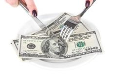 Have you ever done creative grocery budget stretching? Here�s how an underpaid single mom of two fed her family.