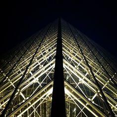 #pyramid, #75001, #louvre, #paris, #igersparis, #france, #igersfrance, #instagood, #statigram, #pyramidedulouvre, #webstagram, #10likes - @din0u- #webstagram