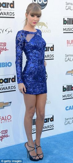 Taylor Swift arrives at the 2013 Billboard Music Awards at the MGM Grand Garden Arena