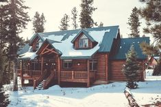 Let this introduction to the many log home styles and construction types be a guide as you begin to develop a log home unique to you. Cottage Style, Farmhouse Style, Grid Architecture, Home Appraisal, Ikea, Cabin In The Woods, Log Home Decorating, Log Cabin Homes, Log Cabins