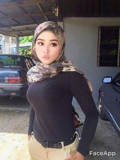 Arab Girls Hijab, Girl Hijab, Muslim Girls, Muslim Women, Hijab Evening Dress, Muslim Beauty, Hijab Chic, Beautiful Hijab, Hijab Fashion