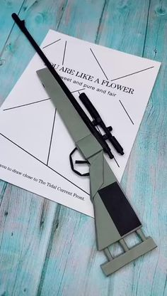 PUBG - Are you looking for Origami Ideas? If you are an origami lover, we have some new fun origami ideas t - Diy Crafts Hacks, Diy Crafts For Gifts, Diy Arts And Crafts, Creative Crafts, Instruções Origami, Useful Origami, Origami Ideas, Origami Boxes, Dollar Origami
