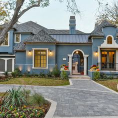 Decorating: Amazing House Exterior With Blue Pale Color And The Use Of White Styrofoam Stucco Trim Stucco Homes, Stucco Exterior, House Paint Exterior, Exterior Paint Colors, Exterior Design, Exterior Homes, Stucco House Colors, Mediterranean Homes Exterior, Mediterranean Design
