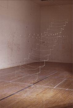 Maggie Casey_Staircase STRING, MONOFILAMENT, STAPLES 14' x 2.5' x 12'_2004 & 2006http://decdesignecasa.blogspot.it