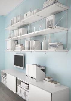 Ook bij de Zweedse meubelketen Ikea vonden we een bijzonder wandplankensysteem in deze Ekby die volledig aansluit bij de Scandinavische woontrend.  >>> www.ikea.com