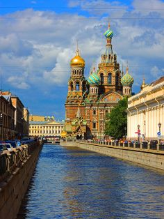 I've heard great things about St. Petersburg, Russia. I'd love to go! #HipmunkBL