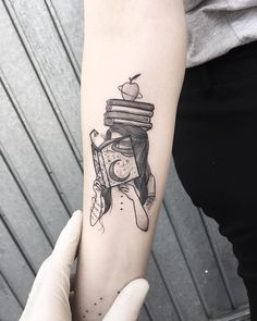 Are you a book lover and a tattoo enthusiast? These book tattoos displayed in the gallery are among some of the best book tattoo designs ever inked! Form Tattoo, Tattoo Diy, Shape Tattoo, Tea Tattoo, Lotus Tattoo, Creative Tattoos, Unique Tattoos, Small Tattoos, Awesome Tattoos
