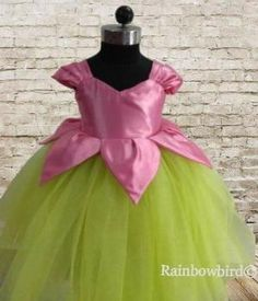 Baby Girl Frocks, Baby Girl Party Dresses, Frocks For Girls, Dresses Kids Girl, Kids Outfits, Girls Frock Design, Baby Dress Design, Kids Lehanga Design, Kids Dress Wear
