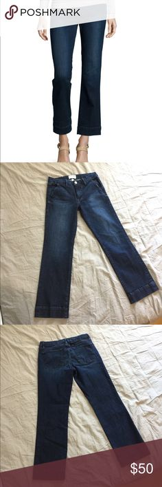 Frame Denim Le Slim cropped denim Frame Denim Le Slim straight cropped jeans  In denrock color  Fitted through hips with slight flare from the knee  Cropped just above the ankle  Great condition no holes, rips, or stains  Slight pilling on thigh, see close up photo, but its hardly noticeable.   Label size 27  Measurements  Waist 14in Inseam 27in 67% cotton  27% lyocell 4% polyester  2% elastin Frame Denim Jeans Ankle & Cropped