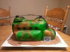 Helicopter cake Helicopter Cake, Nerf Cake, Chinook Helicopters, Cake Birthday, Baked Goods, Party Ideas, Cakes, Baking, Desserts
