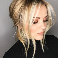 new Ideas for wedding hairstyles updo messy headpieces simple Messy Hairstyles, Pretty Hairstyles, Wedding Hairstyles, Hairstyle Ideas, Summer Hairstyles, Messy Wedding Hair, Relaxed Hair, Great Hair, Hair Today