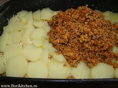 Musaca de cartofi cu carne – Flori's Kitchen Mashed Potatoes, Macaroni And Cheese, Food And Drink, Ethnic Recipes, Diet, Mac Cheese, Mac And Cheese, Shredded Potatoes