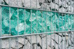 Gabionen mit Glassteinen: Ein Hingucker für Ihren Garten! (#03)