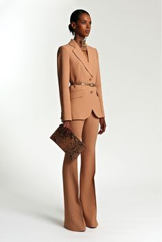 Michael Kors Collection Resort 2014 Fashion Show Collection: See the complete Michael Kors Collection Resort 2014 collection. Look 16 Office Fashion, Business Fashion, Work Fashion, Fashion Show, Fashion Outfits, Womens Fashion, Style Work, My Style, Terno Casual