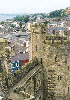 In the 13th century, Llywelyn ap Gruffydd, ruler of Gwynedd, refused to pay homage to Edward I, King of England citing political hostilities. This prompted the English conquest of Gwynedd, and subsequent construction of Caernarfon Castle, one of the large