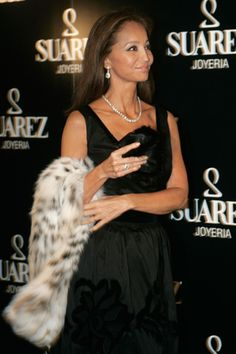 Fashion Assistance: Mucho glamour en la fiesta de la Joyería Suárez. Isabel Preysler y Naty Abascal, entre los invitados
