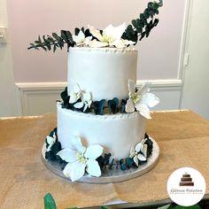 Macaron, Wedding Cakes, Desserts, Food, Sugar Flowers, Wedding Gown Cakes, Tailgate Desserts, Deserts, Wedding Cake