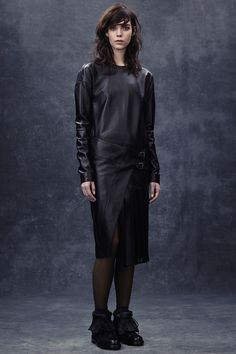 Belstaff Fall 2014 RTW - Review - Fashion Week - Runway, Fashion Shows and Collections - Vogue