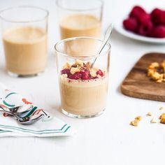 Paahdettu valkosuklaa sopii pannacottaan! Finnish Recipes, No Bake Desserts, Deli, Baking Recipes, Mousse, Panna Cotta, Gluten Free, Cooking, Sweet