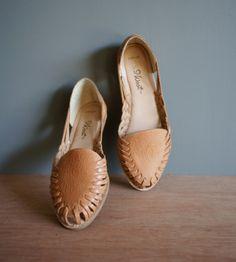 Vintage 9West HONEY Huarache Sandals Us 7m Uk by heightofvintage, $34.00