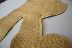 Burlap Door Hanger Tutorial.